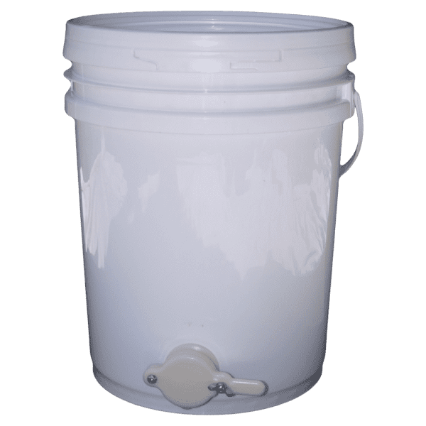 Honey Settling tank storage bucket with valve